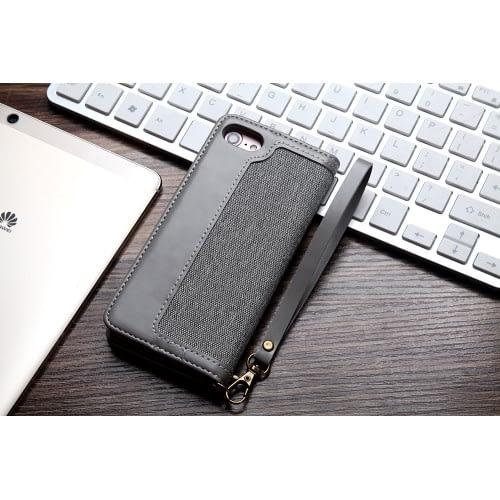 CMAI2 plånboksfodral i denim och konstläder för iPhone 7 och 8. Snyggt fodral i denimmaterial och delikata sömmar som ger en elegant look. Plats för både kort och sedlar och fodralet kan även vikas till ett smidigt ställ. Praktisk handledsrem medföljer också! Passar: iPhone 7 och 8 Färg: Grå produktbild 3